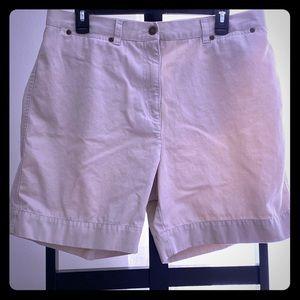 Jones New York Sport Shorts in Khaki
